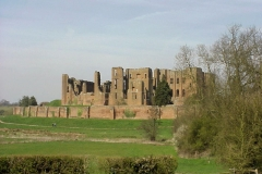 Kenilworth Castle : Circular Walk 4 : Spring-2000 : photo Duncan Bean