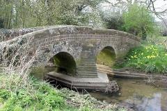 Pedlar's Bridge, Brinklow : Spring-2000 : photo Duncan Bean