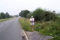 08:14 : GUT Relay Team member approaching Stoneleigh
