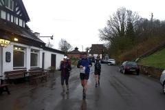 c.18:34 : Meriden, Queens Head, ACW Finish, Rain!