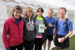 15:07 : Earlsdon Adventurers relay team with certificate
